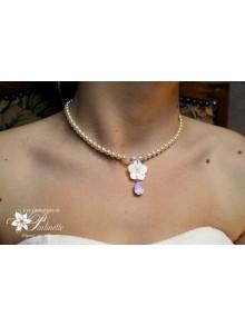 Collier Rosine, collier de mariage fleur de nacre et cristaux rose opal