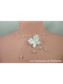Arkania collier de mariage papillon en satin et perles de cristal