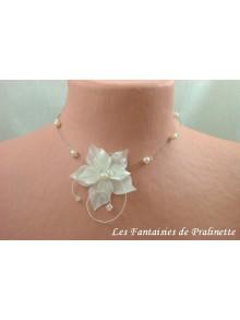Cyrian collier de mariée fleurs en satin et perles en cristal