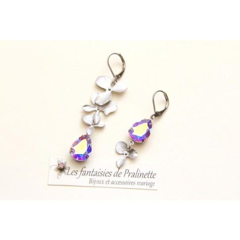 Boucles d'oreilles mariage dépareillées, cascade fleurs d'orchidée ciselée et poires en cristal