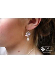 Boucles d'oreilles mariage fleur d'orchidée ciselée et perle