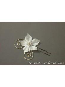 Pic Magdalena fleurs en soie et arabesques
