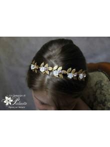 Couronne de mariage feuilles dorées et fleurs de nacre