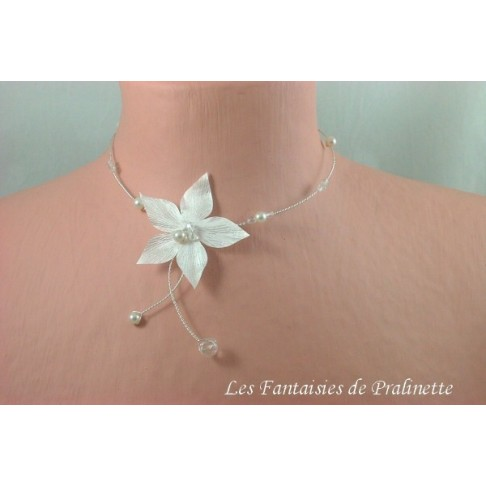 Lisiane collier de mariage fleur en satin et perles