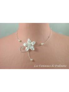 Manoa collier de mariage fleur en satin, perles et arabesque