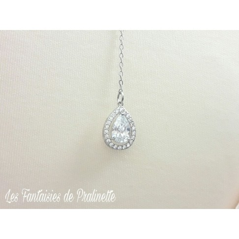 Ana-Malia bijou de dos mariage goutte sertie et strass, pendentif oxyde de zirconium, bijou de dos mariée