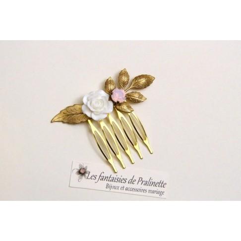 Peigne fleur de rose et cristal sur feuilles dorées, bijoux mariage, bijoux intemporels, bijoux cristal