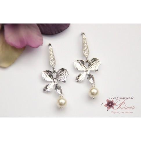 Boucles d'oreilles bijoux mariage fleurs d'orchidée et perles