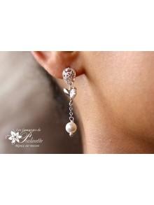 Clous d'oreilles mariage filigranes et perles nacrées en cristal