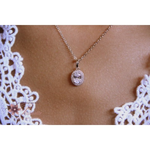 Pendentif collier de mariage ovale en zirconiums finitions rhodiées
