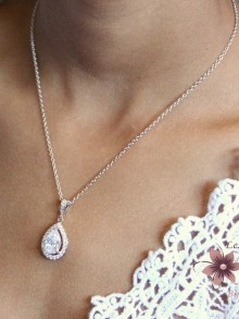Malia pendentif collier de mariage doré zirconium et strass sur fine chaine