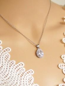 Dorisse pendentif de mariage goutte en cristal oxyde de zirconium serti et strass sur fine chaine