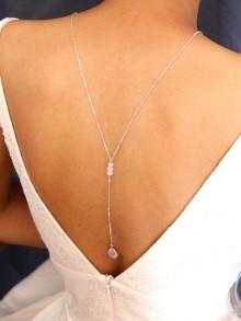 Collier mariage de dos en quartz rose et cristal