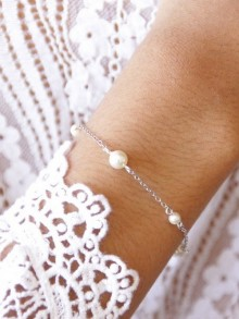 Bracelet mariage perles parsemées en cristal nacré