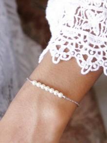 Bracelet de mariage minimaliste petites perles nacrées