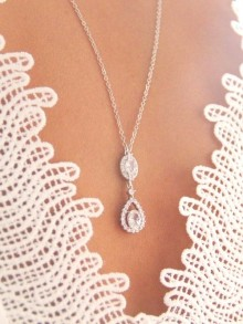Collier mariage de dos Luciana goutte en zirconium, collier de dos argenté