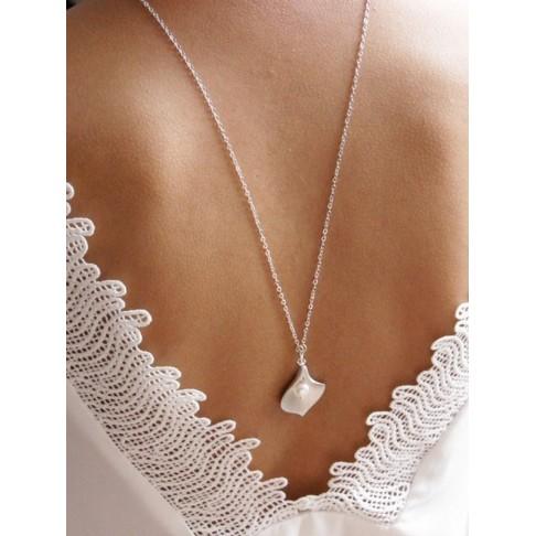 Fleur d'arum collier de mariage avec pendentif bijou de dos