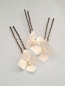 Pic Friska fleurs en satin accessoire de coiffure pour mariage