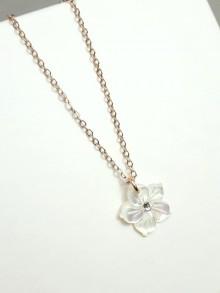 Collier fleur de nacre chaîne plaqué or