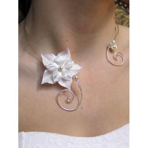 Aimée collier de mariage fleurs en satin de soie et arabesques