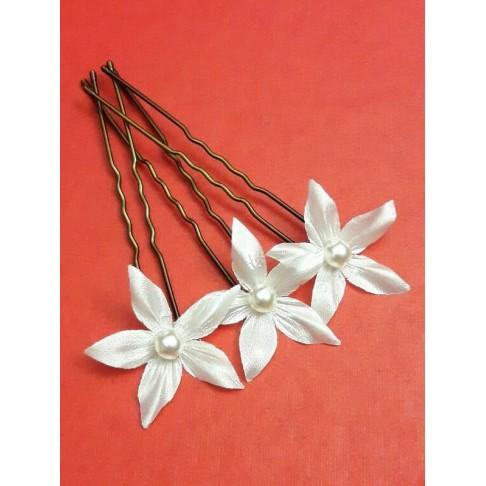Edelweiss, pics à chignon mariage fleurs en satin et cristal