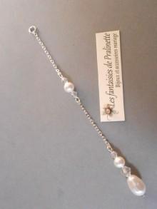 Bijoux de dos mariage pendentif goutte et perles parsemées