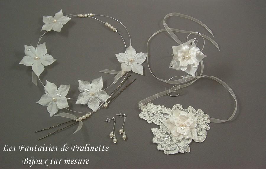 Bijoux parure mariage personnalisée avec ajout de fleurs en soie