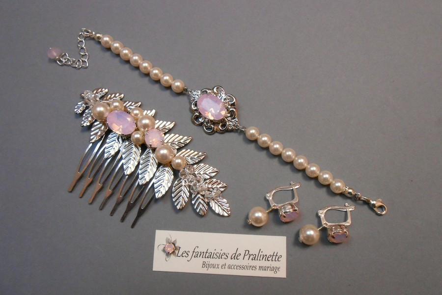 Cristaux rose opal et perles en cristal nacré. Bijoux mariage Rose-May, Olivia et peigne Iwan.