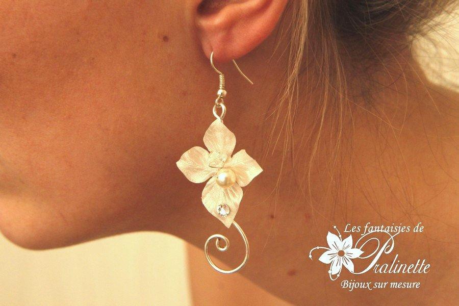 Boucles d'oreilles mariage arabesques et fleurs en soie