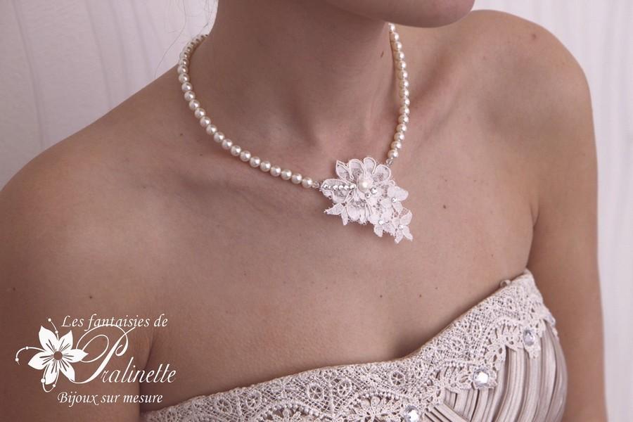Collier de mariage dentelle Charlize perles et dentelle
