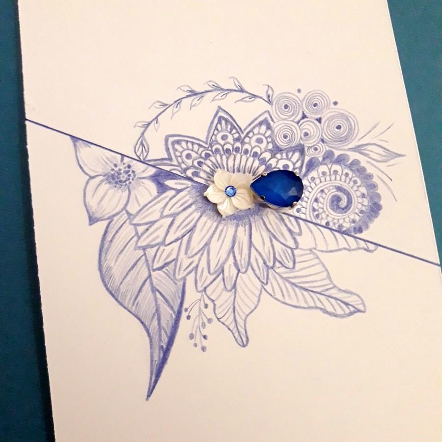 Dessin bleu au crayon de couleur